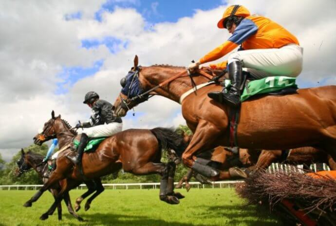 Best* Horse Racing Tips – top tips for picking winners